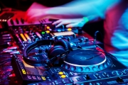 dj-music-colorful-blue-purple-red-orange-4k-wallpaper-1024x683